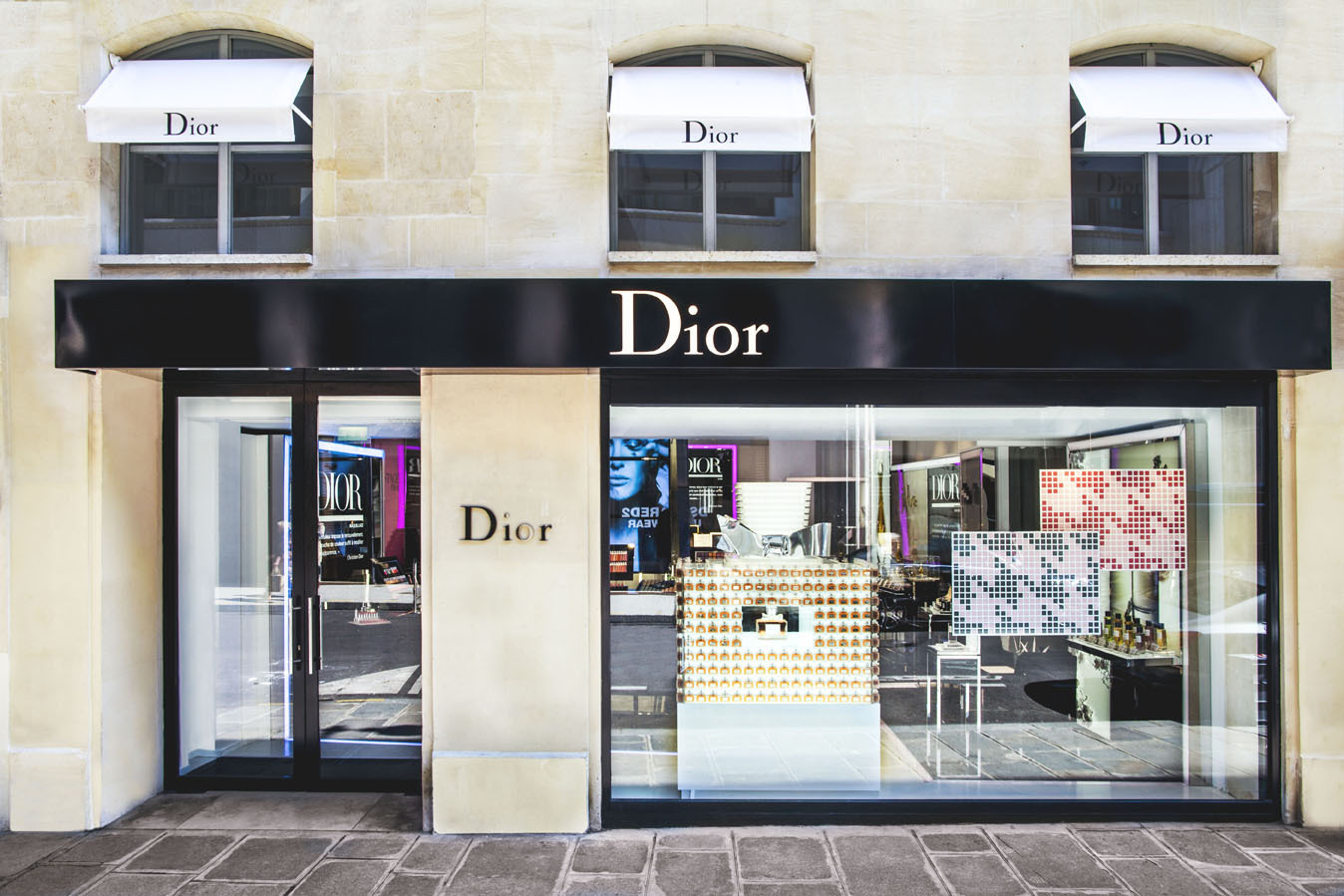 dior ouvre une boutique ph m re paris pour sa ligne de. Black Bedroom Furniture Sets. Home Design Ideas